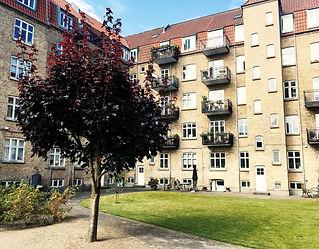 Den 28. oktober mødte ca.  50 festklædte andelshavere op for at fejre Andelsboligforeningen Aarhus' 90'års jubilæum.