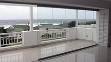 We Specialise In a Variety Of Frameless Glass Doors