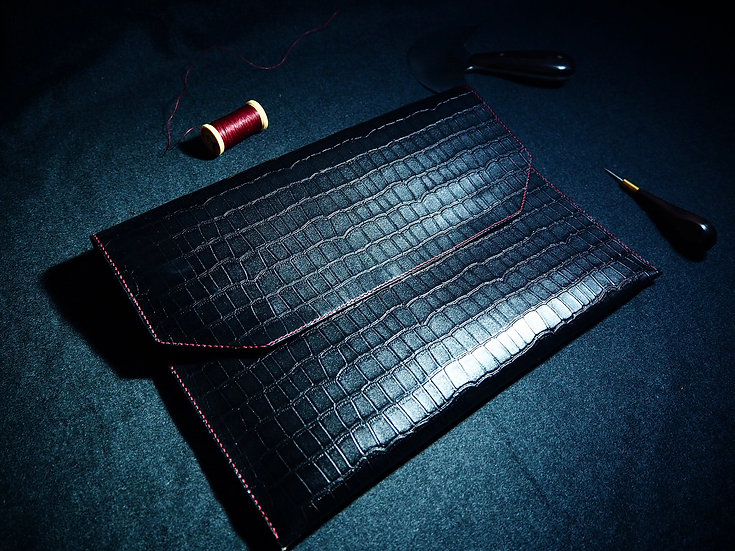壓紋牛皮手提包 PATTERNIZE LEATHER CLUTCH