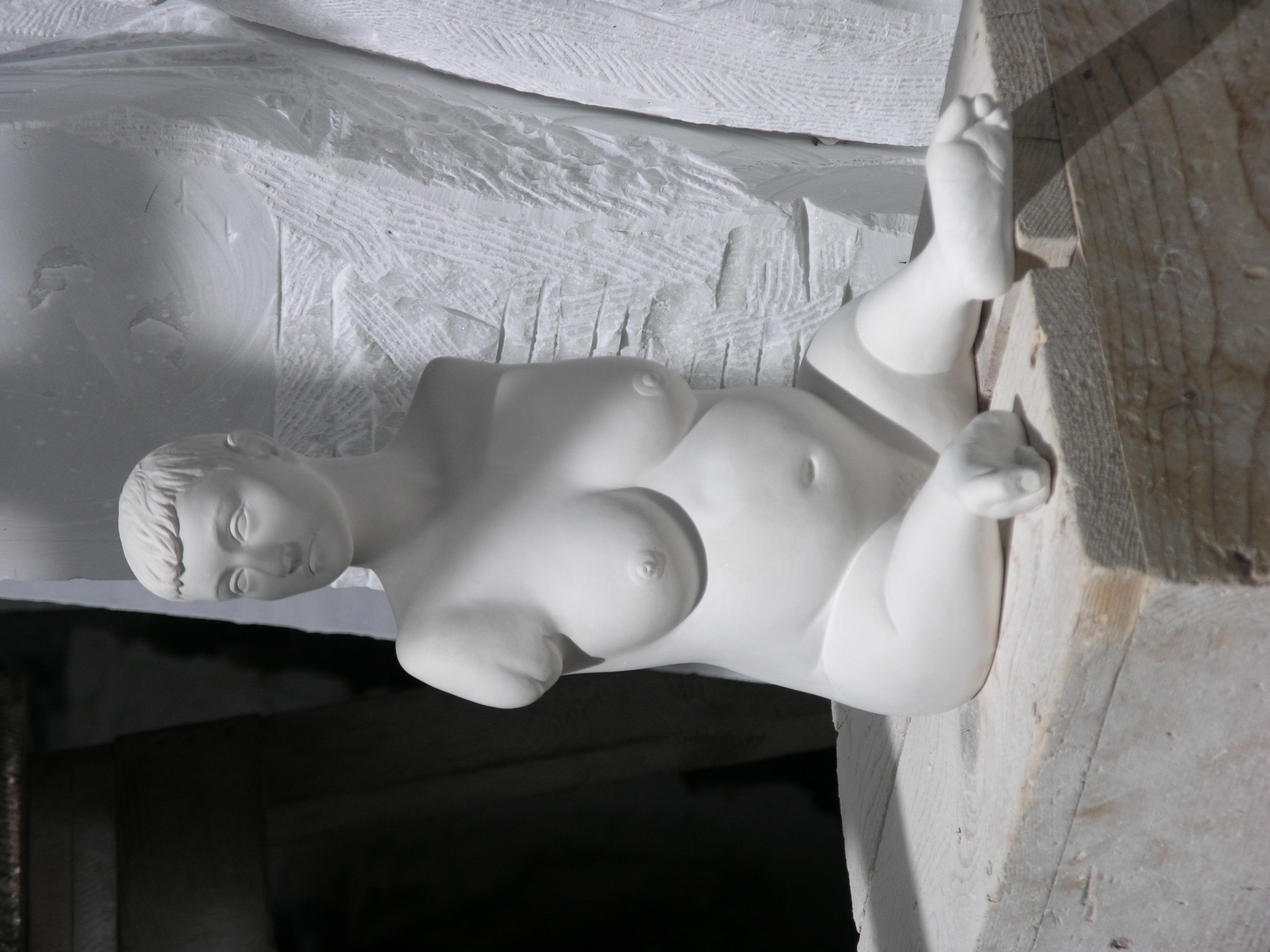 Sculpture lifesize in Cararra