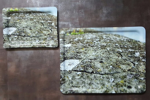 Plateau avec coeur gravé dans la pierre OCS    27 x 20 cm