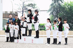 Dutch youth riders in China