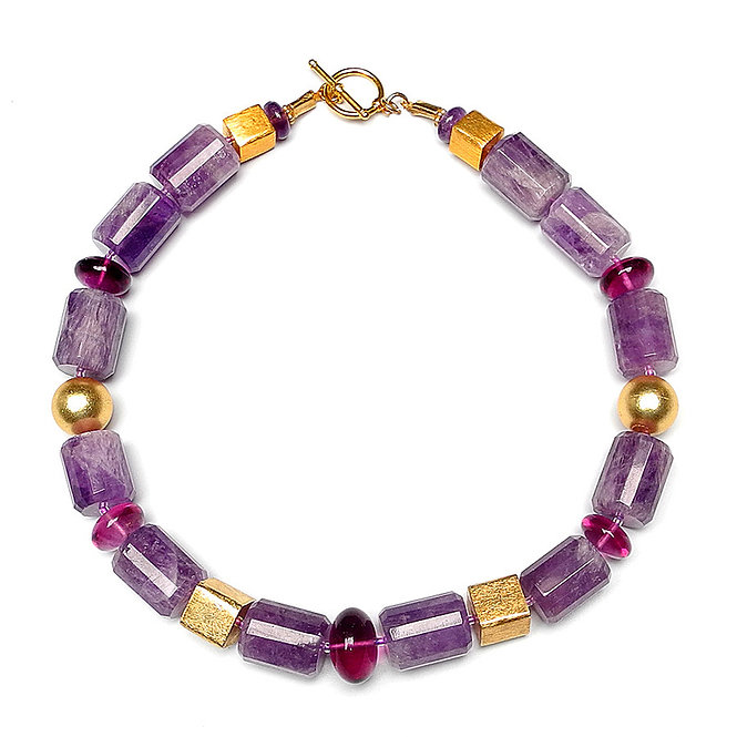 The Simple Elegance of an Amethyst & Gold Necklace