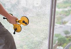 破損したガラスの固定