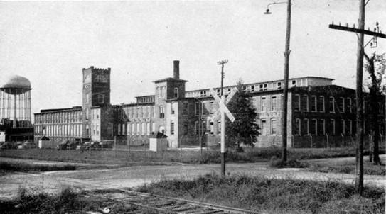 Highland_Park_Manufacturing_1952_Cobwebs