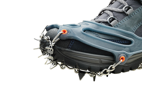 snowline_PRO_XT_sideview_w_front_spikes_