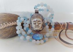 Mondstein Aquamarin Buddha