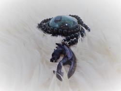 Onyx mit Drachenanhänger