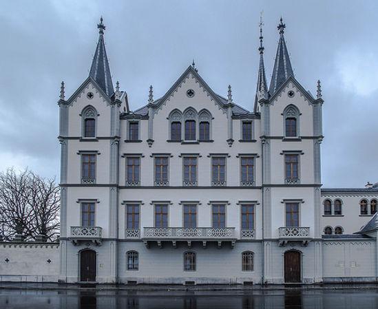 chateau aile.jpg