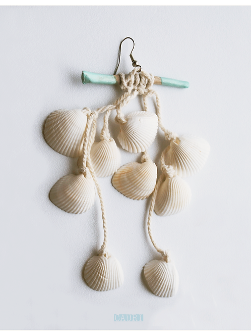 Wave catcher earring white