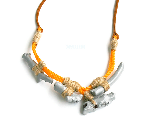 """""""Orange moon"""" rope necklace with corals"""
