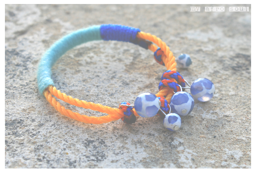 MAASAI hand bracelet with blue agat