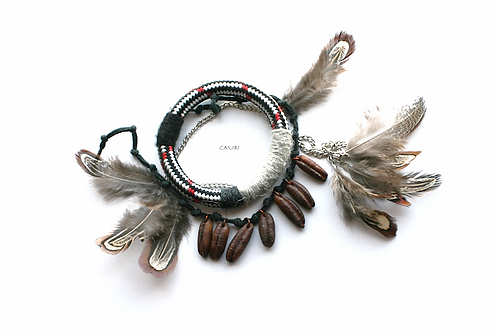 Bracelet with pheasant feathers