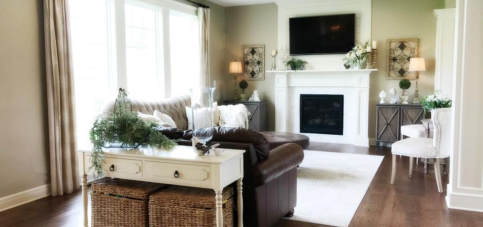 living room-33306.jpg