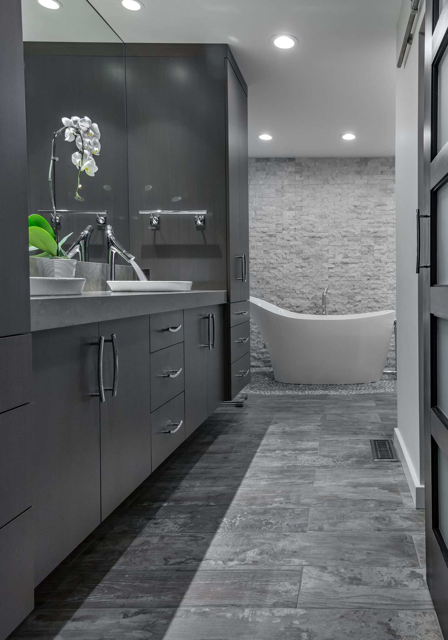 Contemporary Grey Master Bathroom
