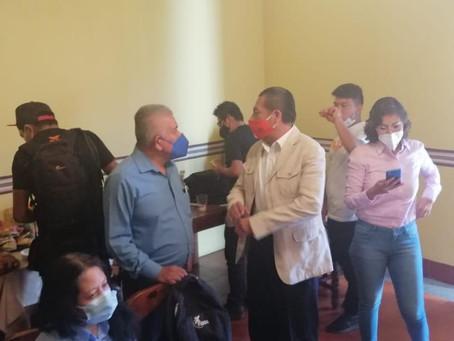 Echemos con nuestro voto a los grupos nefastos para el país, propone Pedro Pérez Lira.