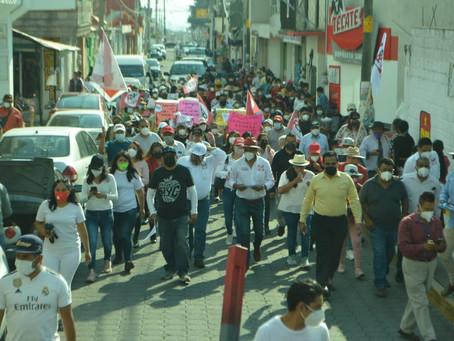 Felipe Morales realiza exitoso recorrido en Ayometla.