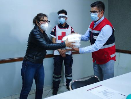 Gobierno de Papalotla entrega material de protección a personal de Cruz Roja