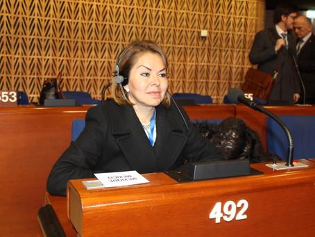 Destaca Minervas Hernández en foro internacional, apela por libertad de creencias religiosas