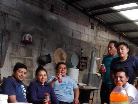 Funcionario público de Xicohtzinco realiza fiesta en plena contingencia