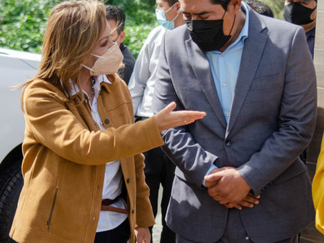 Hildeberto Pérez Álvarez y Lorena Cuellar Cisneros ponen marcha el programa de Tanques de Oxígeno