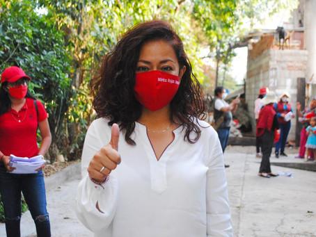 Exhorta la abanderada del PRI, Mónica Rojas Grados a no seguir con malos gobiernos.