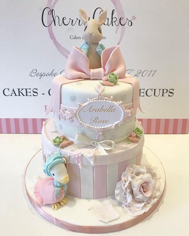 A very pretty Cake for Arabella Rose 💗�