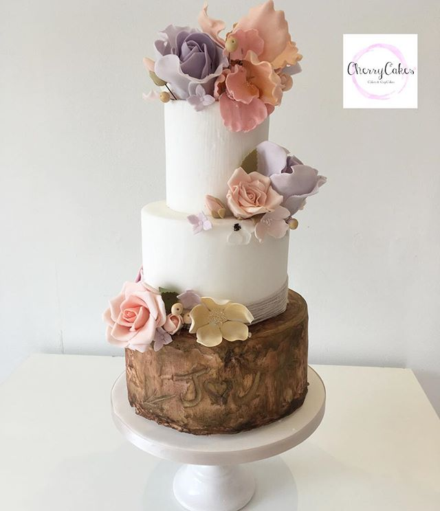 Our NEW display Wedding Cake on show in