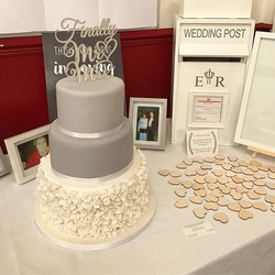 Congratulations Danielle & Craig on your