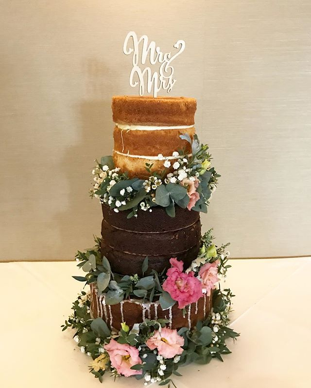 Another shot of Anneli & Liam's Cake on