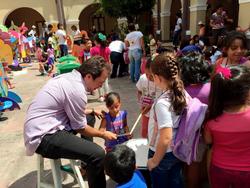 """En """"La Vecindad"""" para Niños"""