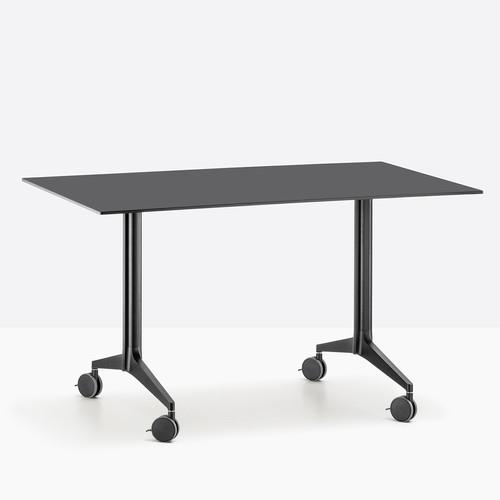 Összecsukható és konferencia asztalok