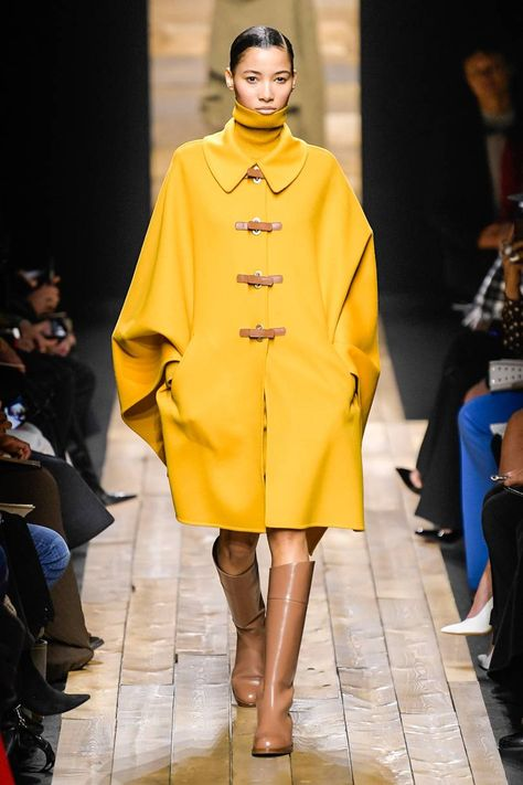 cape - Michael Kors