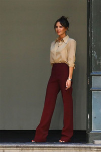 Victoria Beckham - wide leg