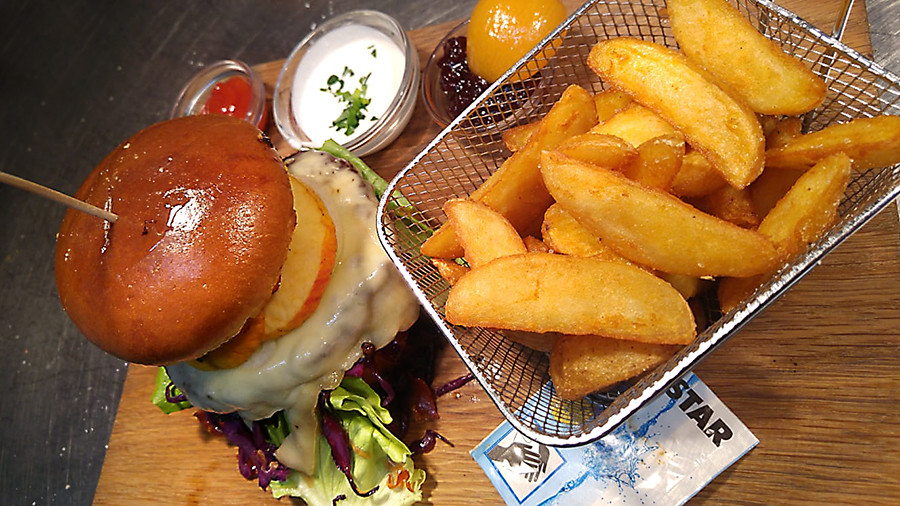 Wildburger Mayrhuber.jpg