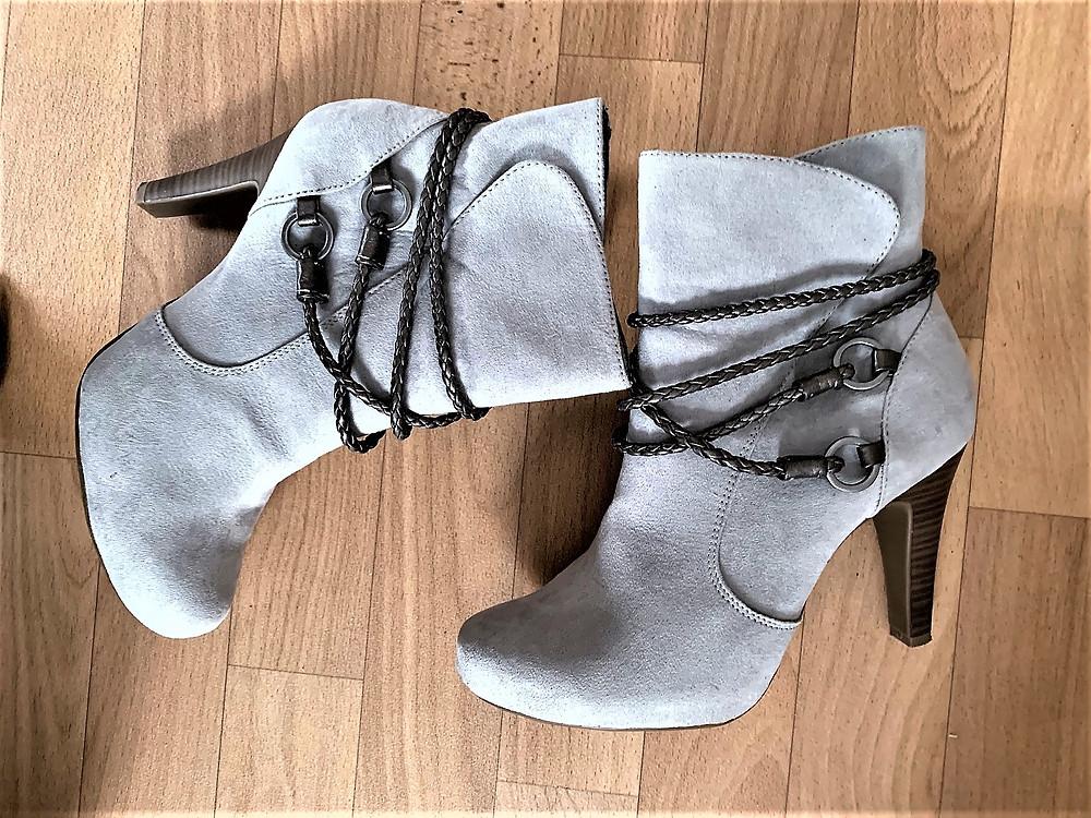 Verzierte Schuhe