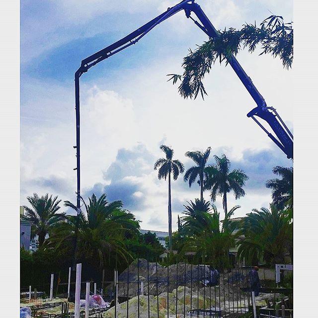 Pouring  concrete today ⤴  #dannysorogon