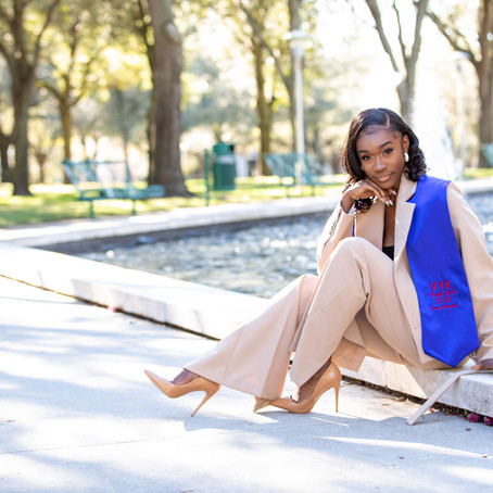 When should I take my Graduation Photos in Tampa?