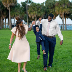 Tampa Florida Family Photographer Family Session in Vinoy Park