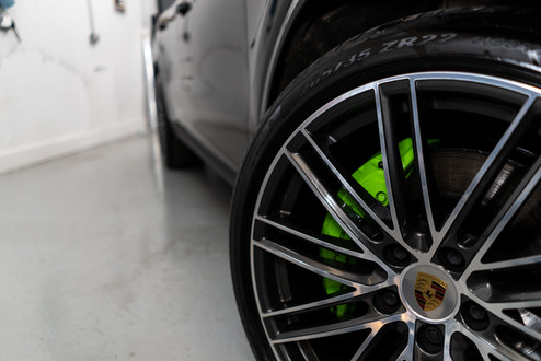 Colour coded brake calipers