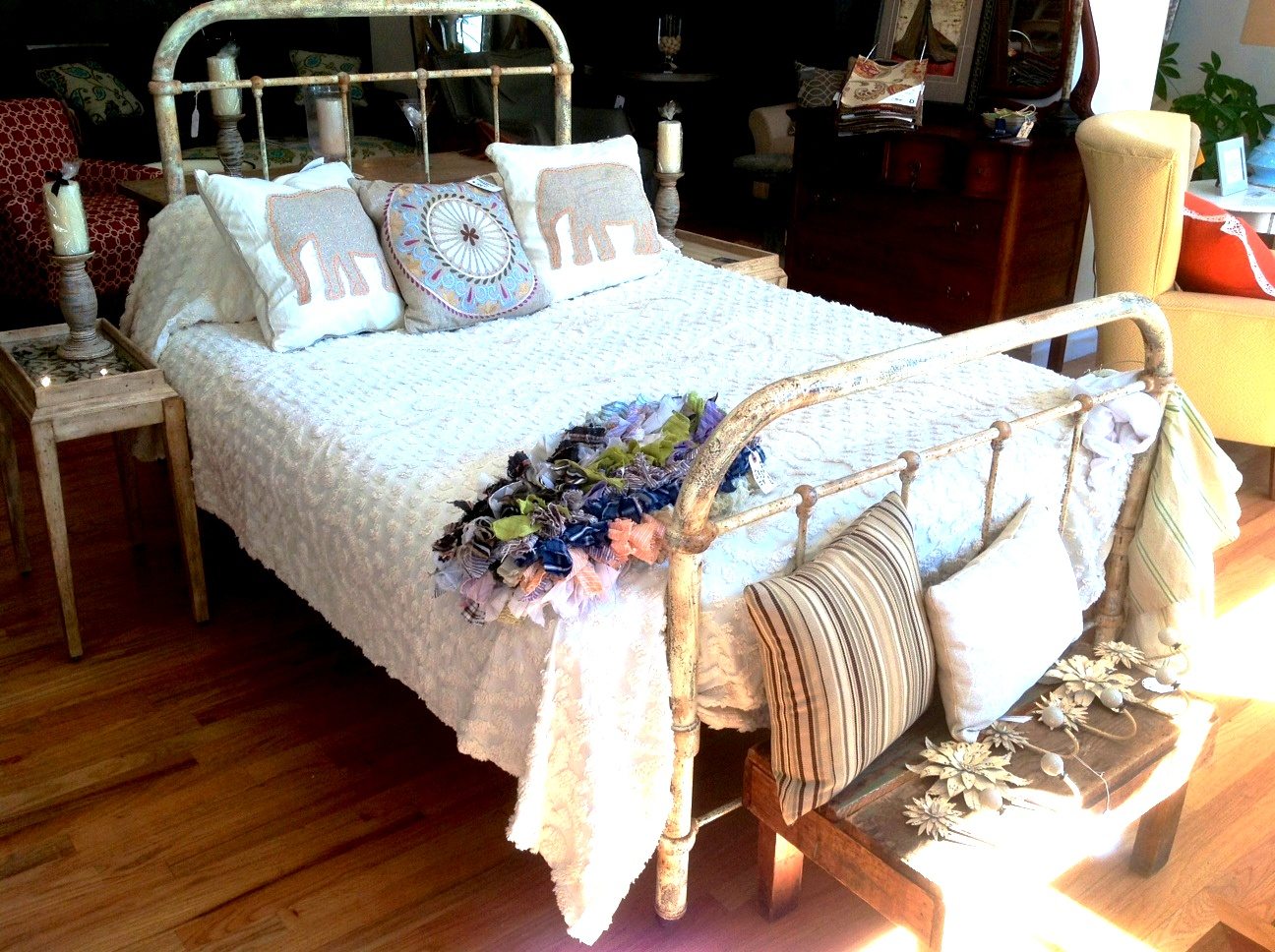 Cottage Style Iron Bed Find