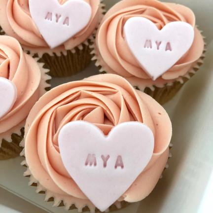 Kiss Me Cupcakes