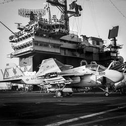 Porte-avions USS América 1