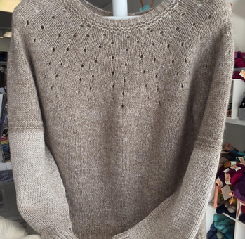 Beautiful Knitted Sweater in Illimani Sabri and Amelie