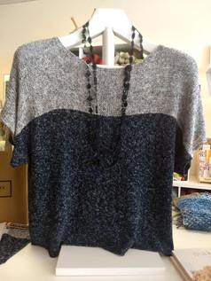 Marvelous Siena top knit in a flecked linen yarn