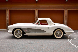 1960 Corvette white and red classic