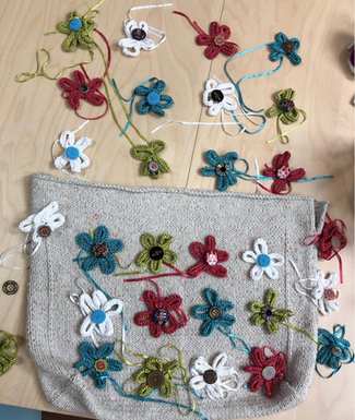Soda Bag in KPC Soul Aran (a recycled cotton, nylon, and linen donegal blend yarn) with Annyblatt Victoria (nylon ribbon yarn)