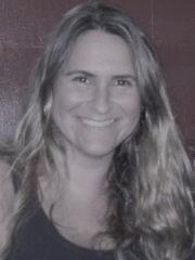 Ana Claudia Perpétuo de Oliveira