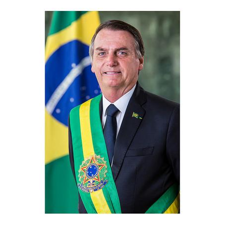 Presidente Jair Bolsonaro divulga foto oficial que ficará no Planalto