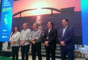 Rose Modesto participa da assinatura de convênio entre o Governo de MS, Caixa e Sanesul